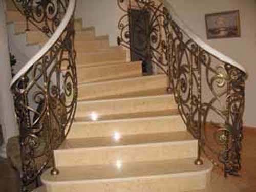 Надежные двери для защиты квартиры