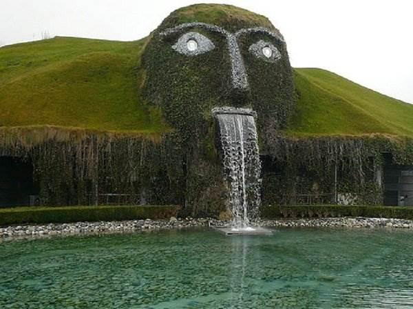 Самые необычные фонтаны мира фото.