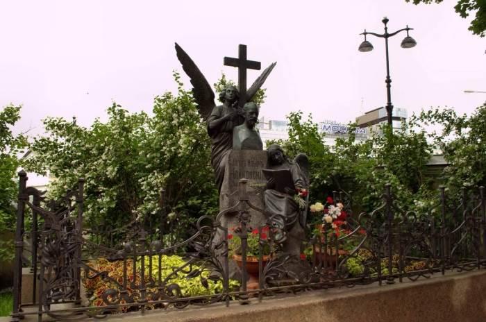 Тихвинское кладбище санкт петербург