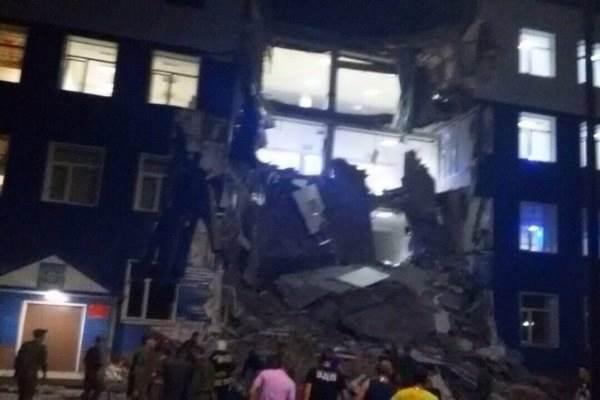 В России обвалилась казарма: 23 десантника погибли (фото, видео)