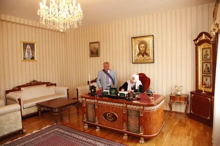 Кабинет патриарха Кирилла фото
