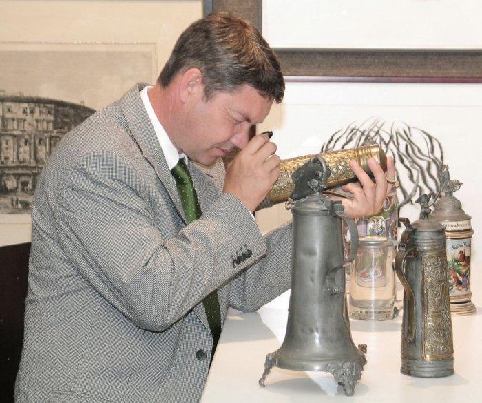 Как самостоятельно оценить антикварное серебро и фарфор
