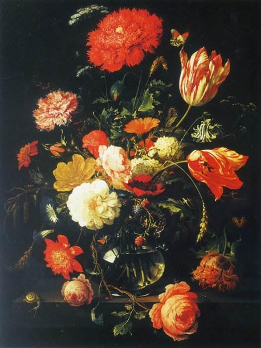 Графин с цветами и ежевикой