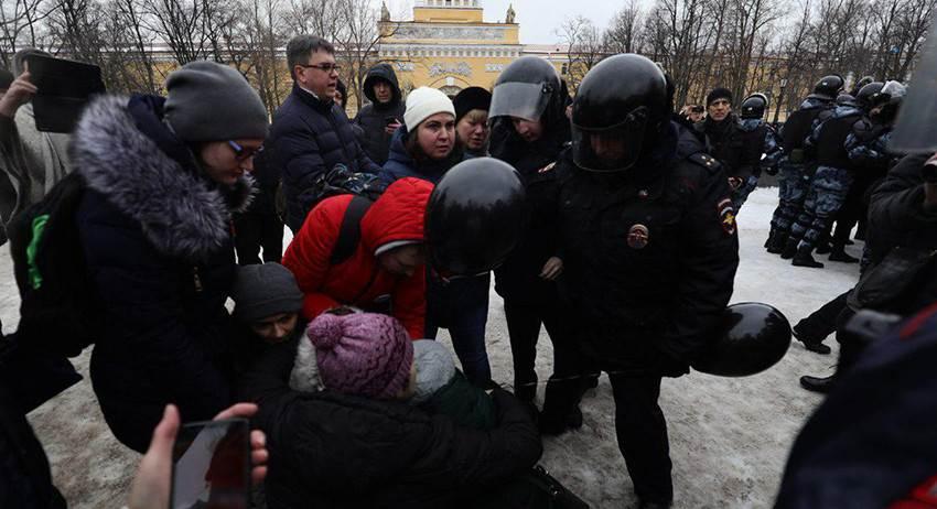 Задержания на «Марше материнского гнева» в Санкт-Петербурге
