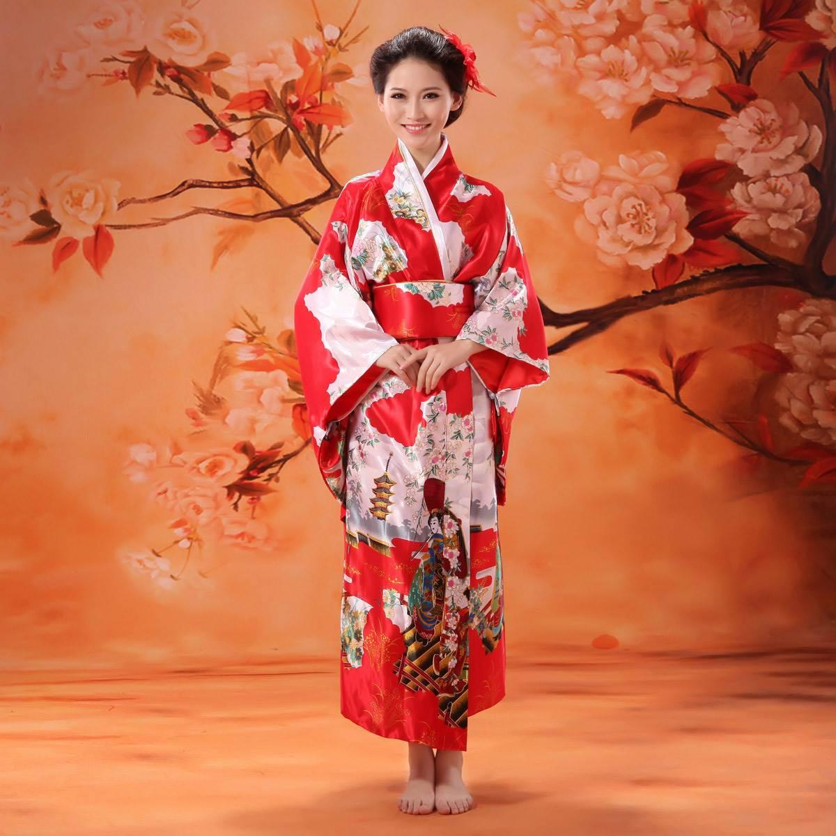 Красивые японки в традиционных нарядах