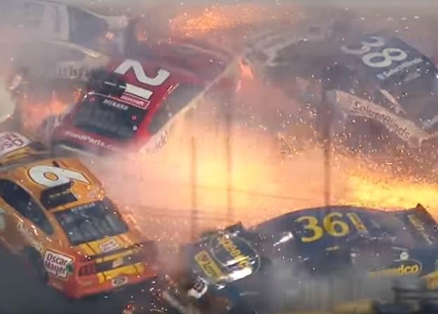 Жуткая авария на гонке NASCAR Дайтона 500