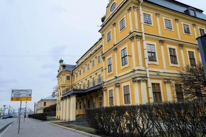 Меньшиковский дворец в Санкт-Петербурге (17 фото)