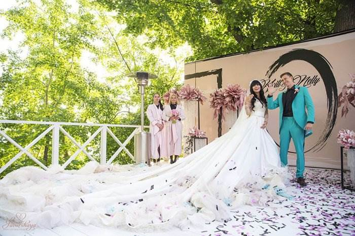 Оригинальные позы для фото на свадьбе модели