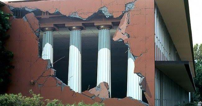 M.U.R.I.R.S оптические иллюзии на зданиях
