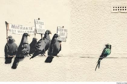 Граффити Бэнкси удалили за расизм
