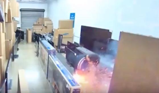 Очередной взрыв электронной сигареты в кармане попал на видео