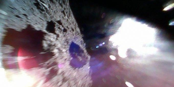 Первые фото с поверхности астероида Рюгу