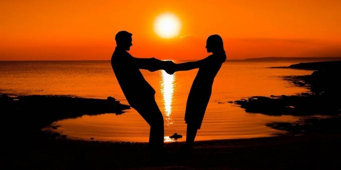 Влюблённые на закате