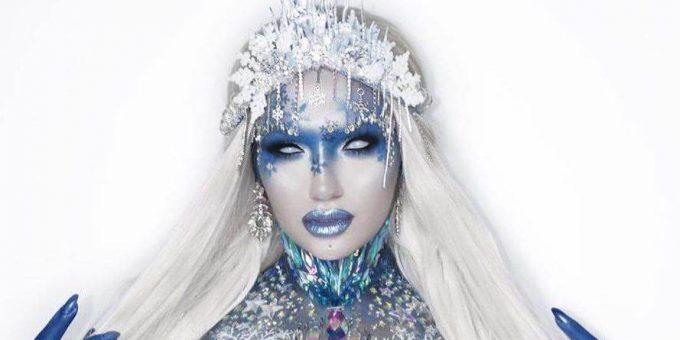 Александра Кейн в костюме сексуальной Снежной королевы фото