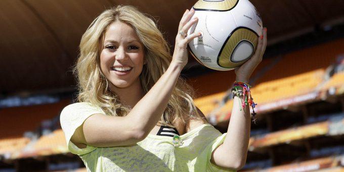 Самые знаменитые футбольные болельщицы мира