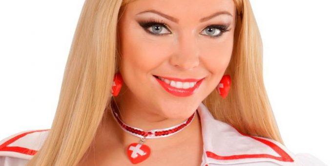 Самые горячие медсестры (18 фото)