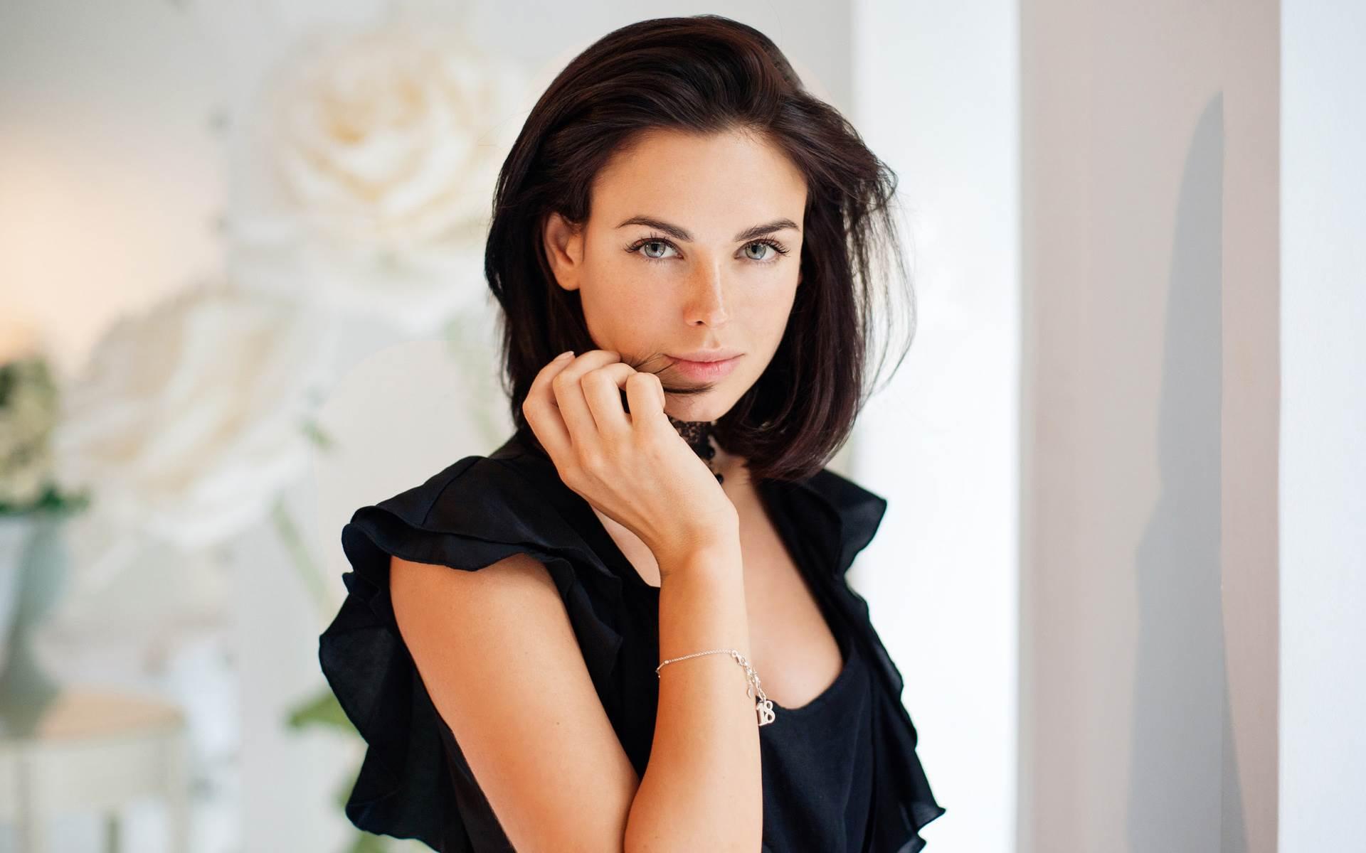 натуральной русские актрисы фото высокой четкости семья