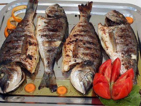 Жареная рыба дорада