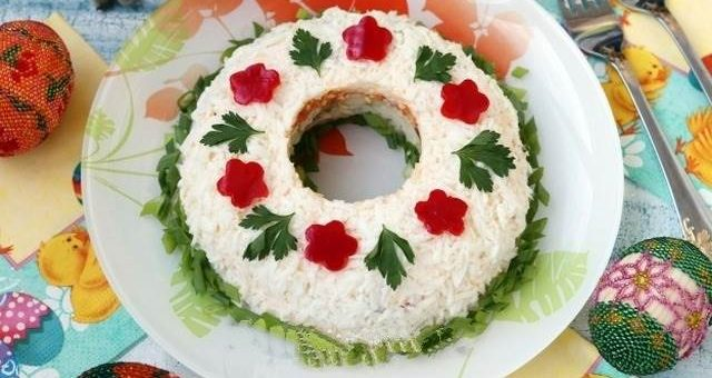 Праздничный салат «Пасхальный венок»