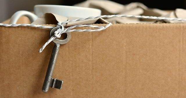Лайфхак: как не испортить мебель при переезде
