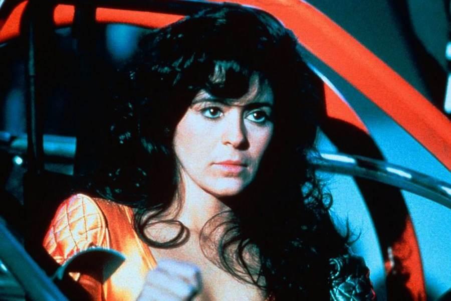 Как сегодня выглядит актриса из фильма «Бегущий человек» Мария Кончита Алонсо фото