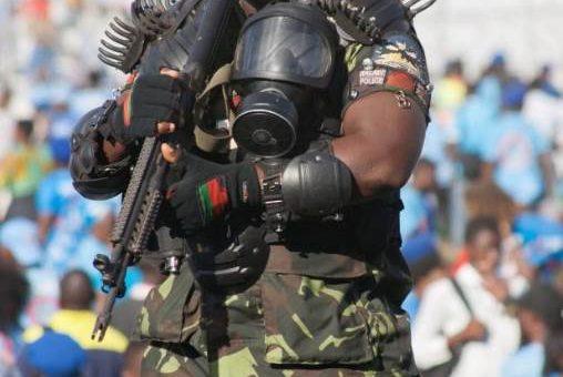 Самый грозный телохранитель в мире живёт в Малави фото