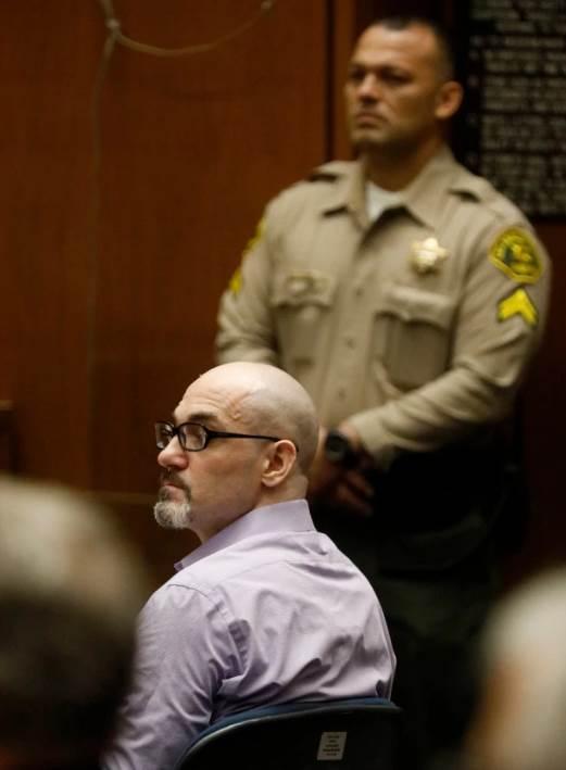 Эштон Кутчер стал свидетелем по делу о «Голливудском потрошителе» Новости в фотографиях,2001,2019,актёры,знаменитости,Лос-Анджелес,май,новости,суд,США,убийство,фото