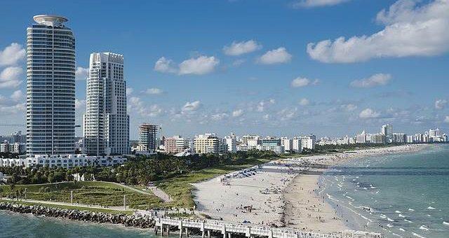 Пляж в Майами фото
