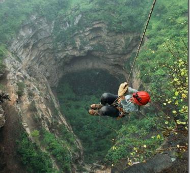 Stephen Alvarez фото пещер