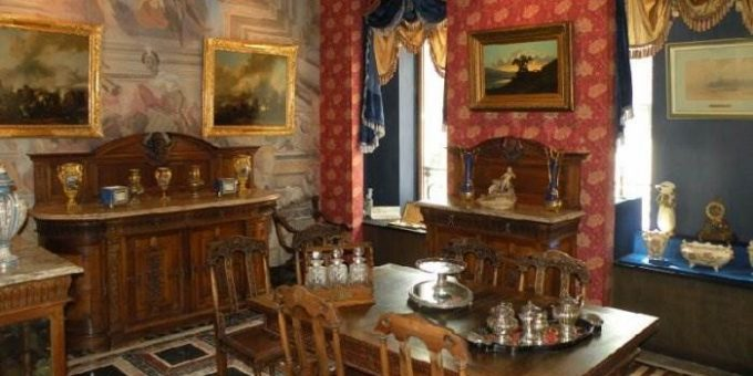 Антикварная галерея в поселке Довиль - для ценителей настоящего искусства