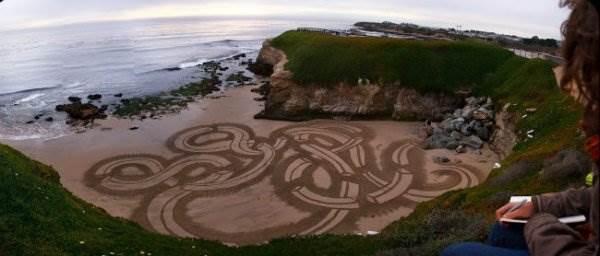 Рисунки на песке. Andres Amador
