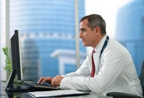 Онлайн консультант RedHelper позволяет работать с посетителями максимально эффективно