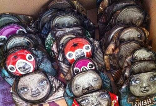 Портреты на жестяных банках My Dog Sighs