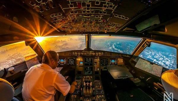 Вид из кабины пилота. Фотографии Karim Nafatni