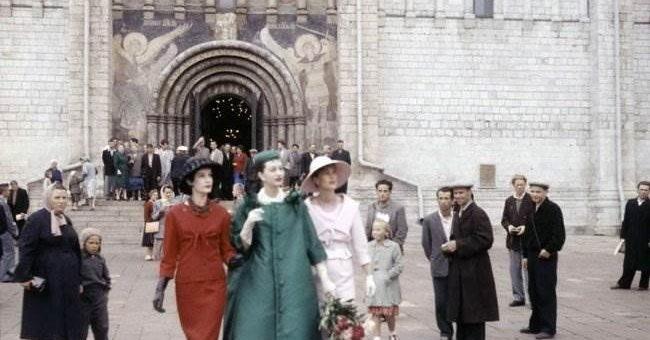 Кристиан Диор в СССР фото. Парижские модницы вызвали шок!