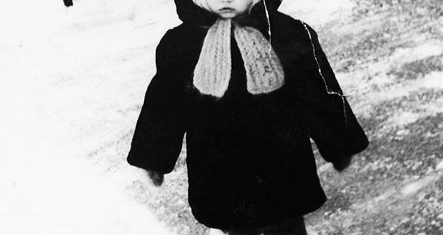 Российские звёзды в детстве фото (#покажисебявдетстве)