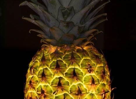 Овощи и фрукты с подсветкой, фотограф Radu Zaciu