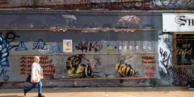 Уличный художник Луи Масаи Мишель - Спасите пчел