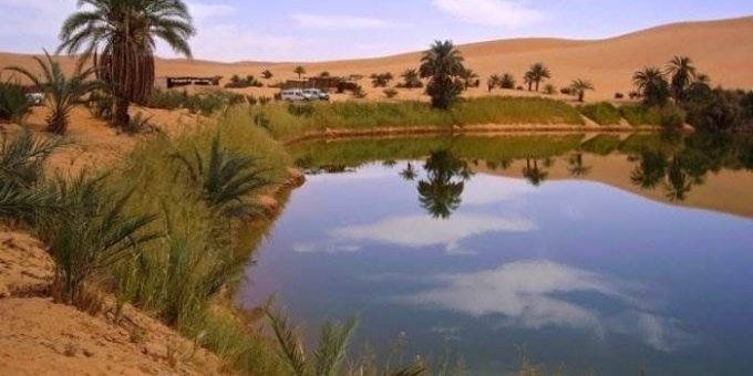 Убари озеро в пустыне
