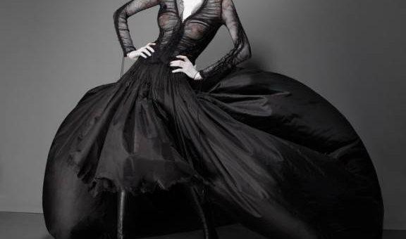 Фотограф Solve Sundsbo - Savage Beauty от Alexander McQueen