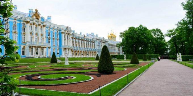 Екатерининский дворец в Царском селе (14 фото)