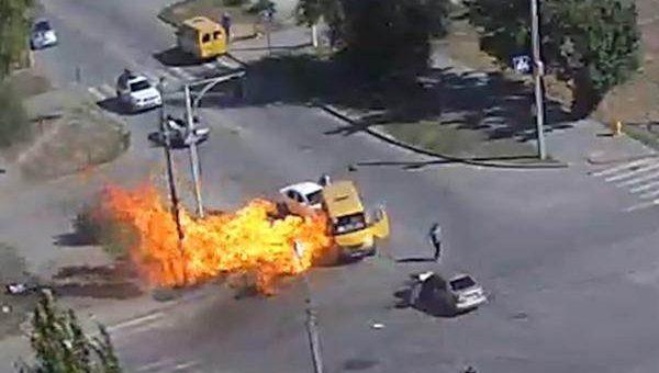 Взрыв газового баллона в маршрутке в Волжске видео