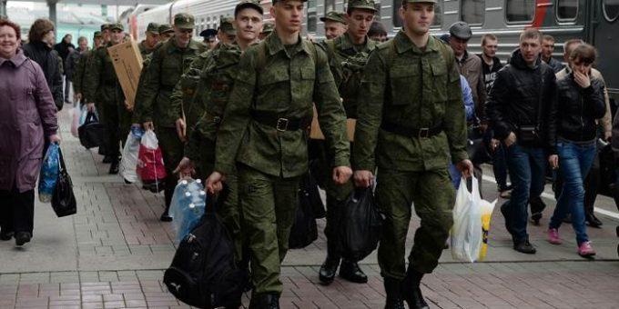 Путин объявил осенний призыв 2015