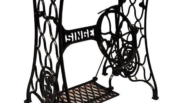 Столы из швейных машинок Зингер