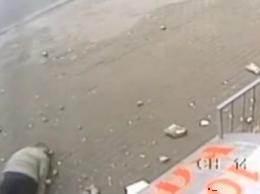 В Москве на пенсионера упал балкон видео