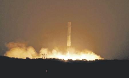 Посадка Falcon 9 фото и видео