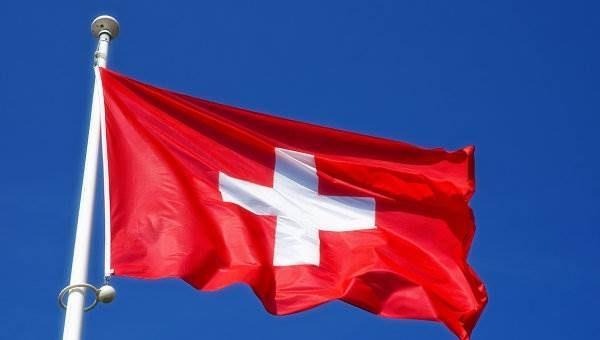 В Швейцарии будут платить 2250 евро каждому гражданину