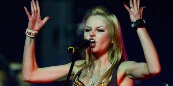 Исполнительница песни «Экспонат» Алиса Вокс уходит из группы «Ленинград»