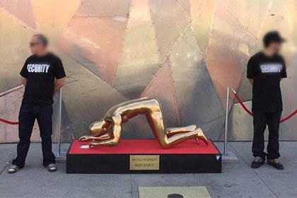 Plastic Jesus - скульптура «Лучшая вечеринка Голливуда»