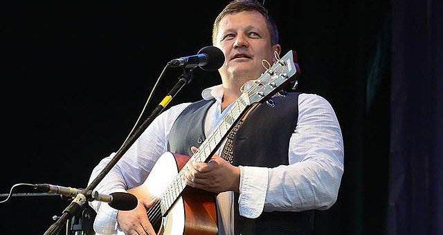 Бас-гитарист Любэ Павел Усанов скончался в реанимации